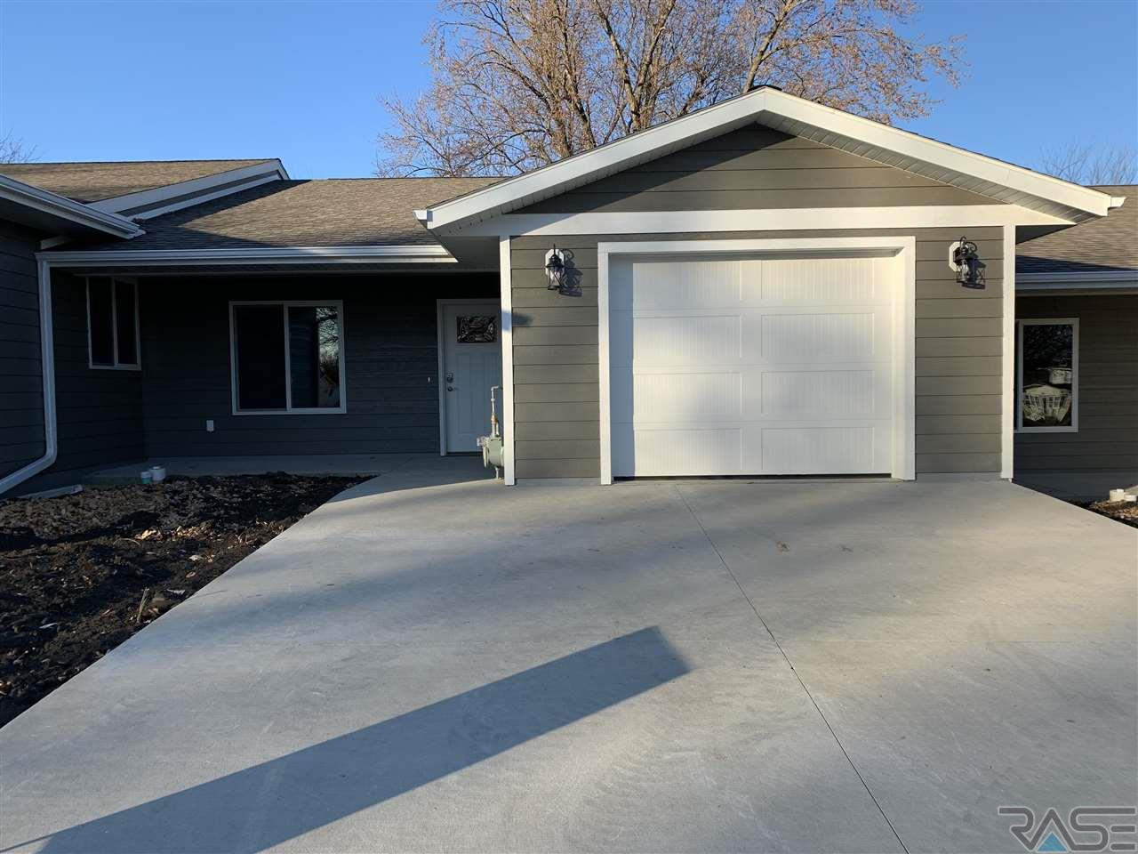106 W Barck Ave MN 56156